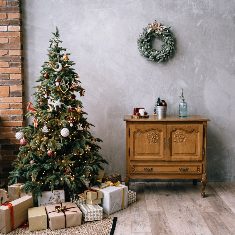 Useful Tips How To Save On Gifts For Upcoming Holidays