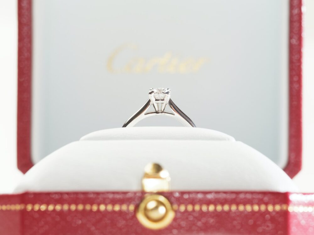 Best Place To Buy Engagement Ring: Brick & Mortar Or Online Stores