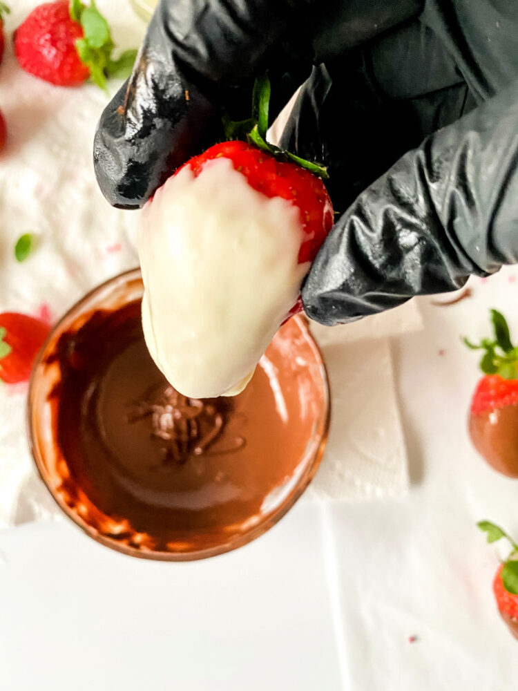 Quick Chocolate Dipped Strawberries
