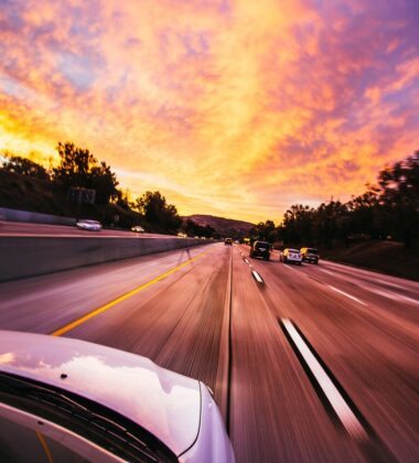 6 Things You Need To Stop Doing While Driving