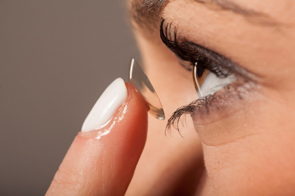 Colored Contacts - Order Contacts Online Without Making These Mistakes