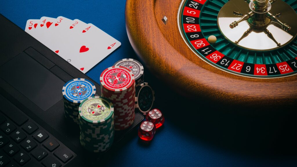 Life Hacks To Help You Win More At Online Casino