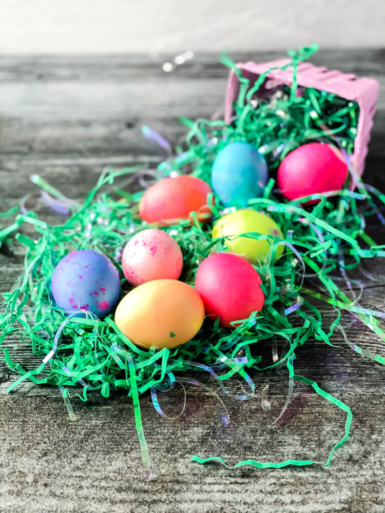 How to Dye Easter Eggs