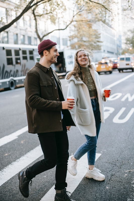 How To Dress Up On A First Date: 5 Simple Rules To Follow
