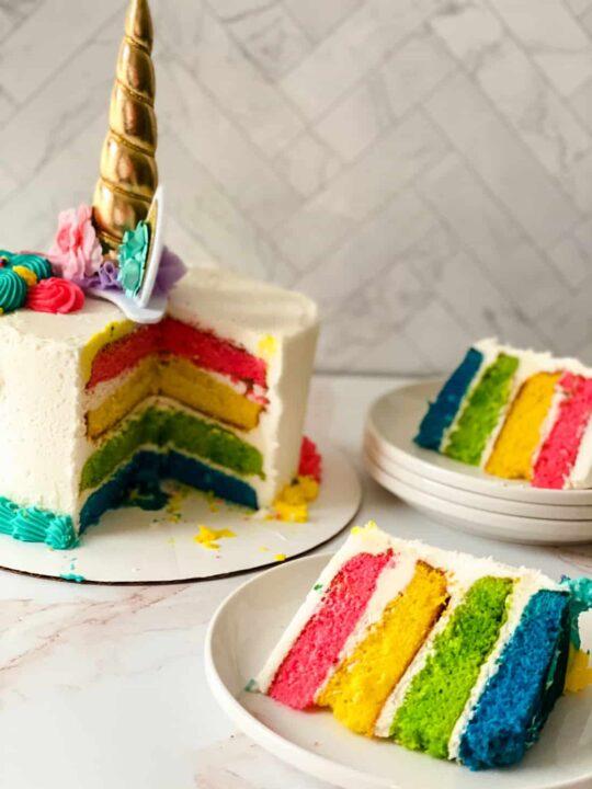 unicorn horn on a cake