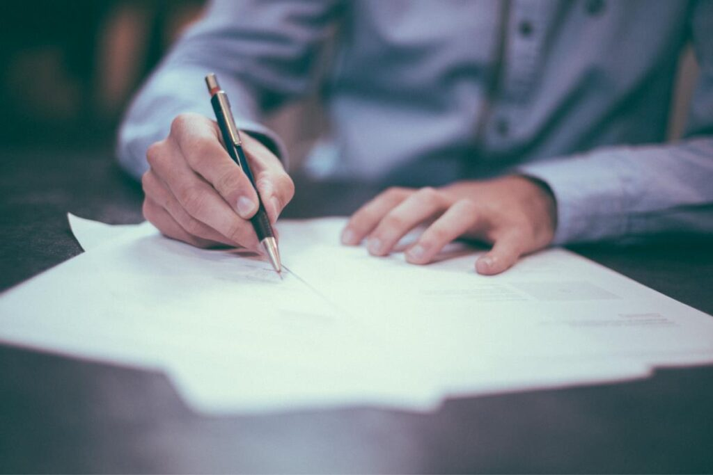 12 Legal Tips Before You Sign A Commercial Lease Agreement
