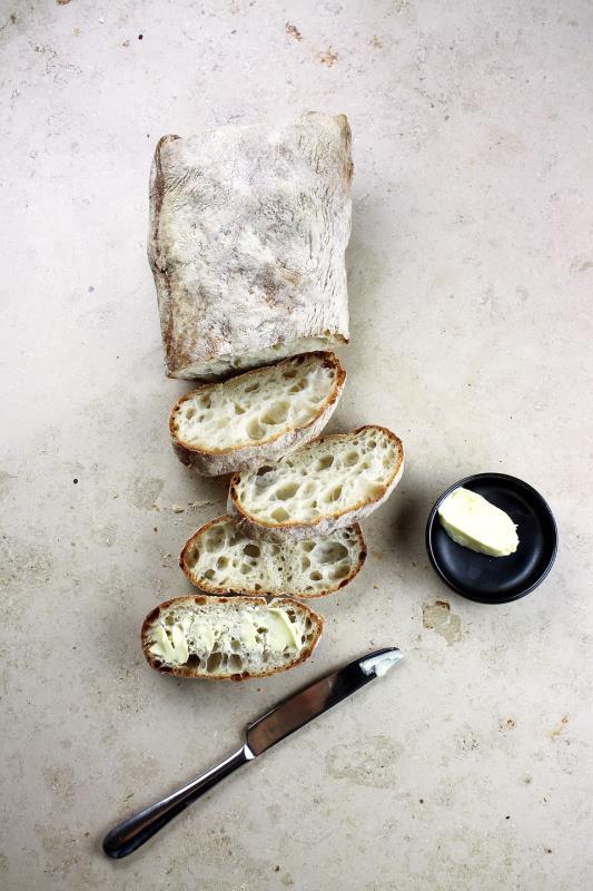 5 Easy Dutch Oven Bread Recipes
