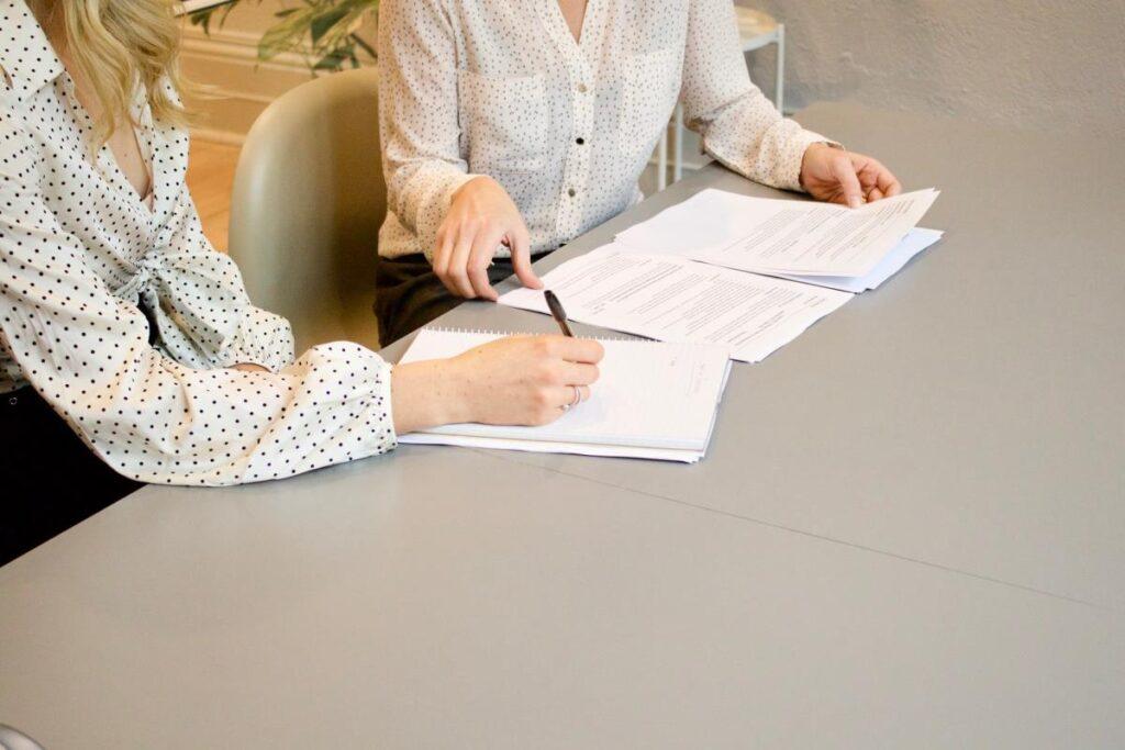 Top 10 Factors To Consider When Hiring Medical Malpractice Attorneys