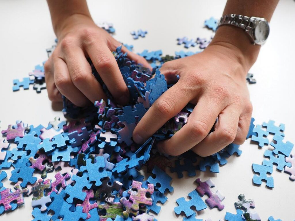 How A Puzzle Can Help You In Your Kids Studies