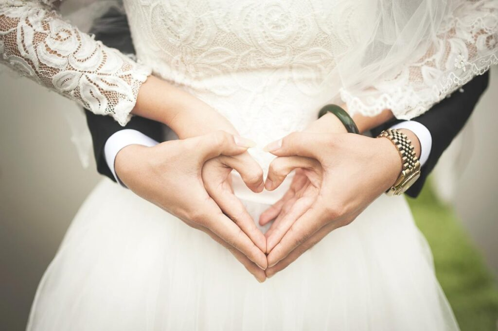 Positive Reasons To Get Married At A Young Age