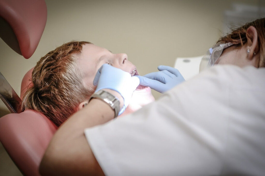 How to Make the Dentist Fun for Children